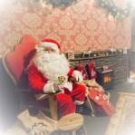 Santa at Princes Quay Shopping Centre original photo by: Go! Photo, Vicky Benge)