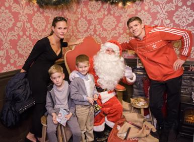 Santa meets an Olympic Gold Medalist Luke Campbell & his lovely family